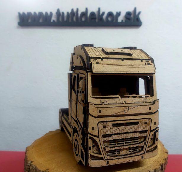 3D puzzle Volvo FH16